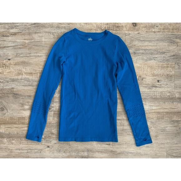 ALO Yoga Tops - alo blue long-sleeve top